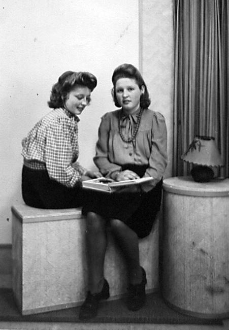 Groeneweg-Adriana-en-Maria-Christina-ca.-1950-Rotterdam