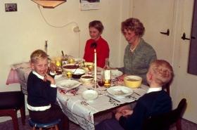 Groeneweg-Gre-Marianne-Peter-en-Walter-Kerstmis-1968