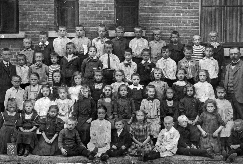Kooij, Cornelis Johannes Schoolfoto 1911.jpg