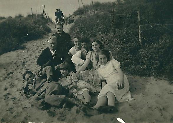 Monden-Cornelis-en-Schuitemaker.-Anna-A.Afamilie-ca.-1931