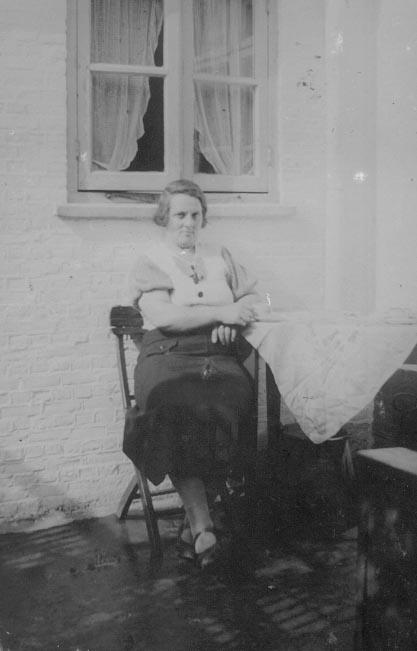 Schuitemaker-Anna-Alberta-A.-geb.-13-02-1897-Hamburg-a