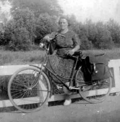 Schuitemaker-Anna-Alberta-A.-geb.-13-02-1897-Hamburg-e