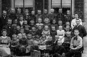 Ameide-Tienhoven-Christelijke-School-ca.-1940-a